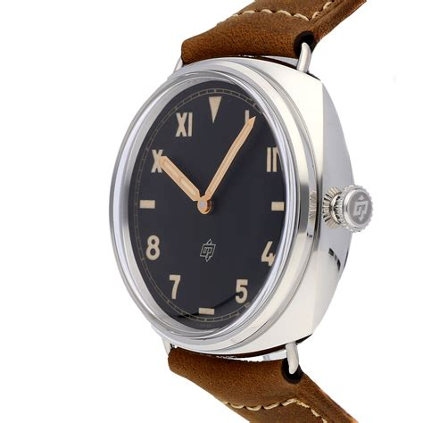The superb replica Panerai Radiomir PAM00424 watches have black dials and luminant hour marks and hands.