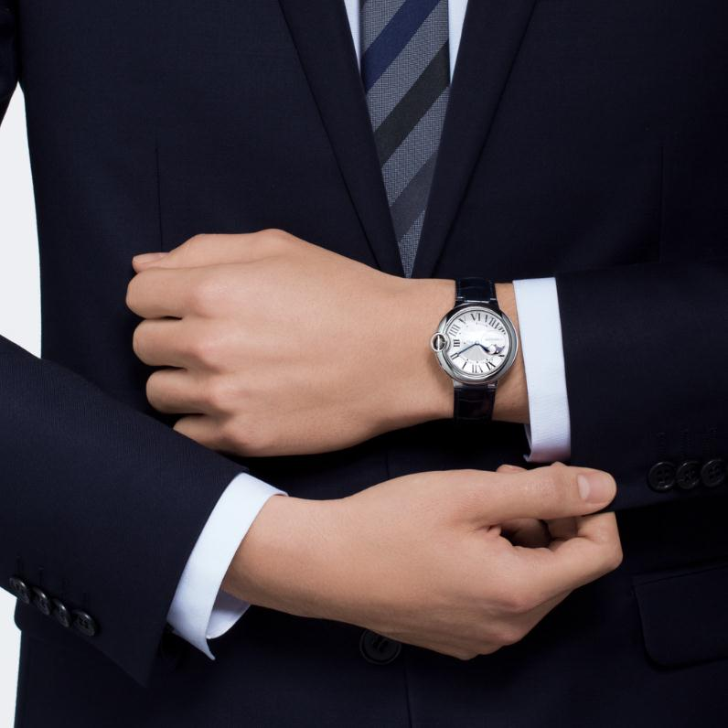 The luxury replica Ballon Bleu De CartierWSBB0020 watches are worth for men.