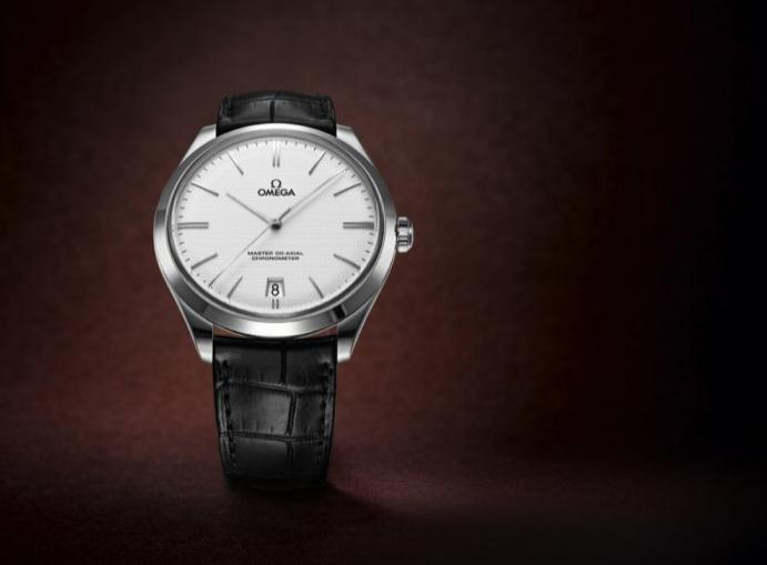 The 18k white gold fake Omega De Ville watches are made from 18k white gold.