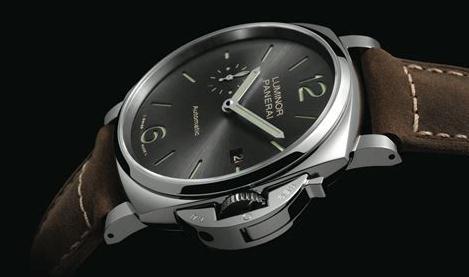 The elliptic square cases fake Panerai Luminor watches have protection bridges.